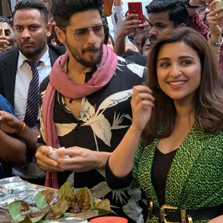Watch Jabariya Jodi stars Parineeti Chopra and Sidharth Malhotra try the Delhi's famous fire paan