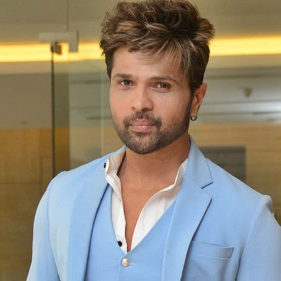 Himesh Reshammiya dismisses the rumours about being in a car accident