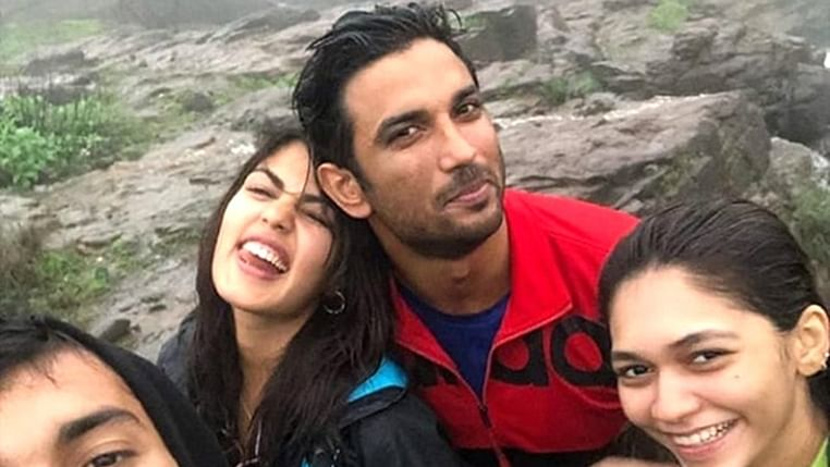 Rhea Chakraborty spending time with Sushant Singh Rajput fuels relationship rumours