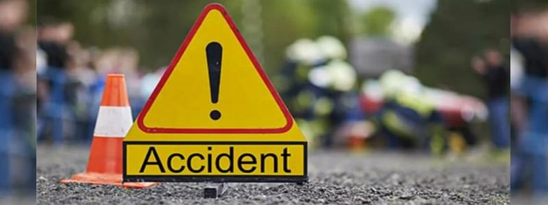 Indore: Speeding car collides with police bus