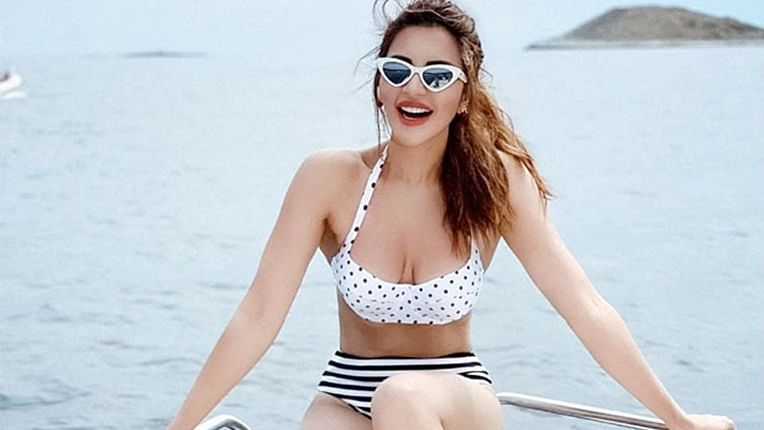 Shama Sikander sets Instagram on fire in a hot monochrome bikini