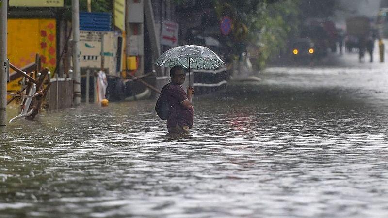 Mumbai paralaysed after incessant rains; Maharashtra death toll rises to 36