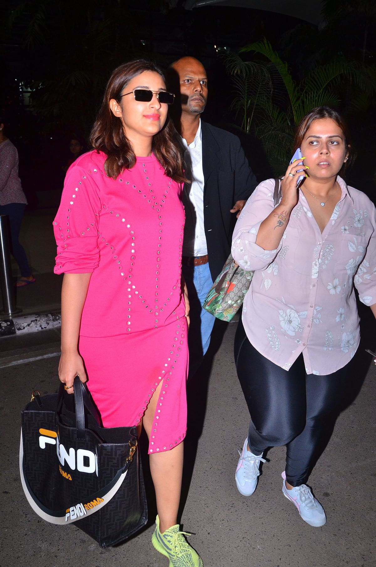 Parineeti Chopra uses Rs 1.3 Lakh Fendi bag to cover her eyes from paparazzi flash