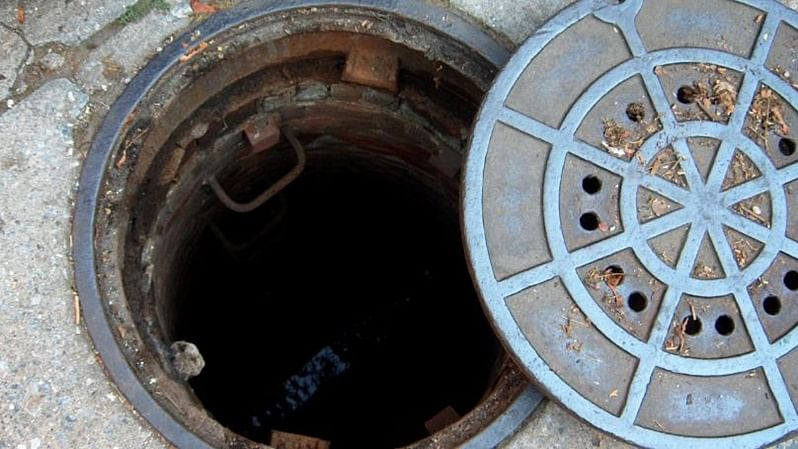 Watch your steps, Mumbai! BMC has fixed safety nets in less than 1% of manholes, claims report