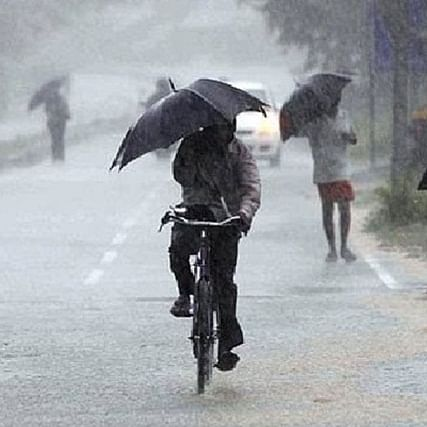 IMD issues 'red alert' for extremely heavy rainfall for Kerala today