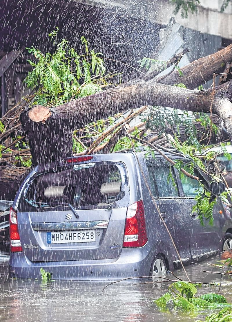 Pictures: Mumbai paralysed after heaviest downpour in more than a decade