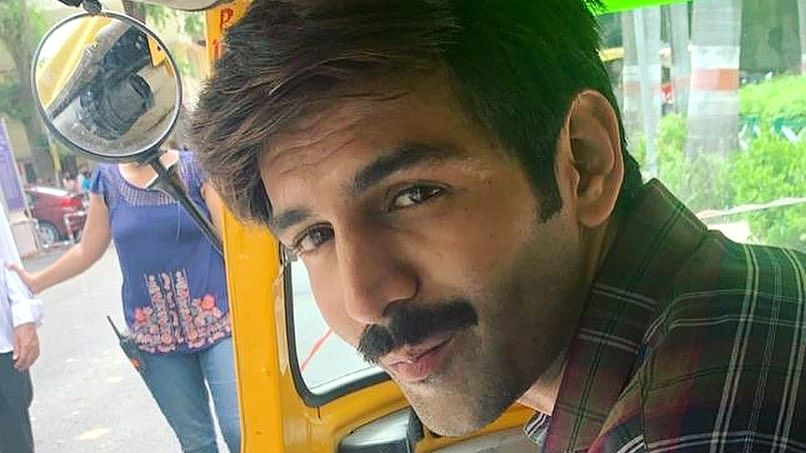 Kartik Aaryan enjoys delicacies from Lucknow on 'Pati Patni Aur Woh' sets