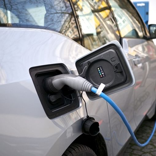 UK government announces additional £2.5 million for residential EV charging ports