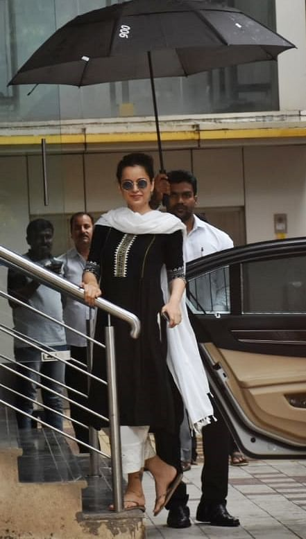 Kangana Ranaut has recently wrapped up her Panga schedule and is getting back into fitness. The actress was seen at dance class in Mumbai wearing a black and white salvar suit.