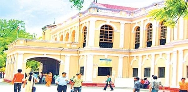 Indore: Holkar College to admit freshers in hostel to prevent ragging