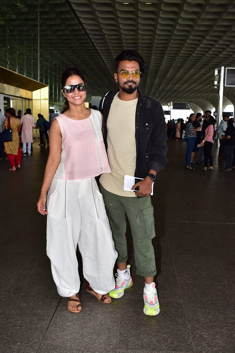 TV actress Hina Khan on Monday morning jetted off to London with boyfriend Rocky. The two were all smiles for the shutterbugs as they headed out. Both seen in a casual look, seemed like they were leaving for a week off to relax.