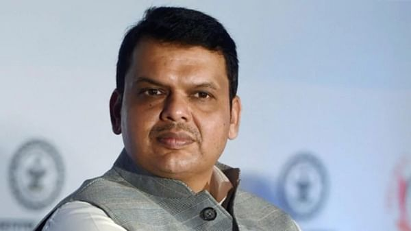 Bike collides with SUV in CM Fadnavis 's convoy