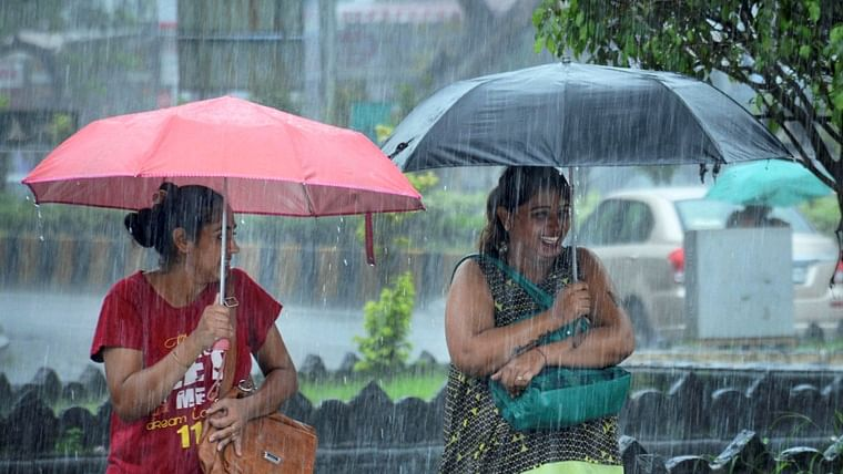 IMD forecasts few spells of rain in Mumbai and suburbs for today