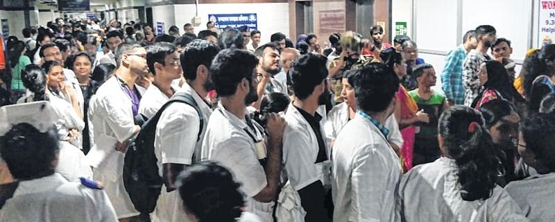 Mumbai: Doctors in de-stress huddle