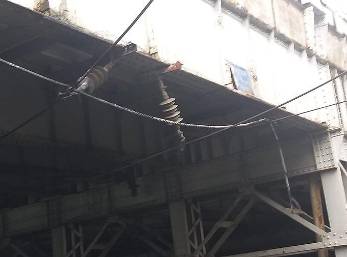 Latest News! External Cable fell on OHE between Mahalaxmi - Mumbai Central, traffic stopped on all 4 lines
