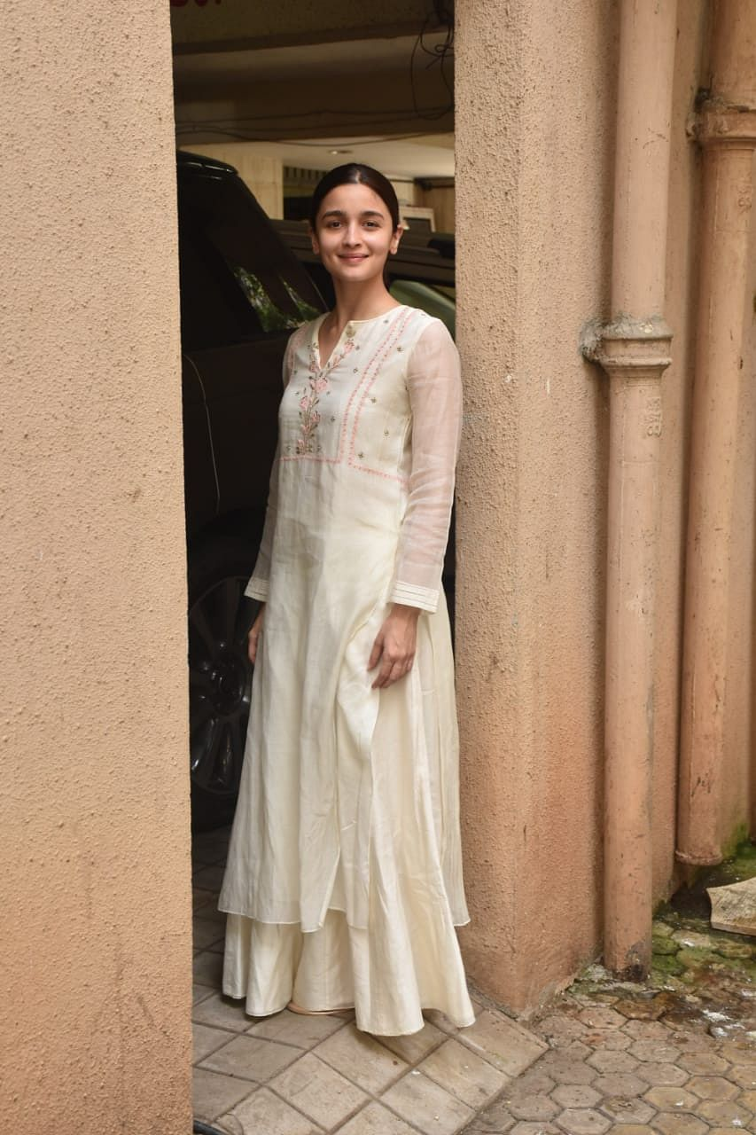 Alia Bhatt snapped post meeting at Sanjay Leela Bhansali office Juhu