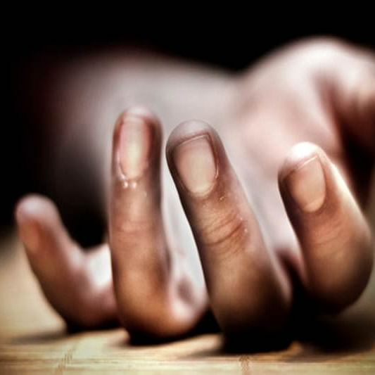 Mumbai: 14-year-old girl commits suicide inside public toilet next to her home