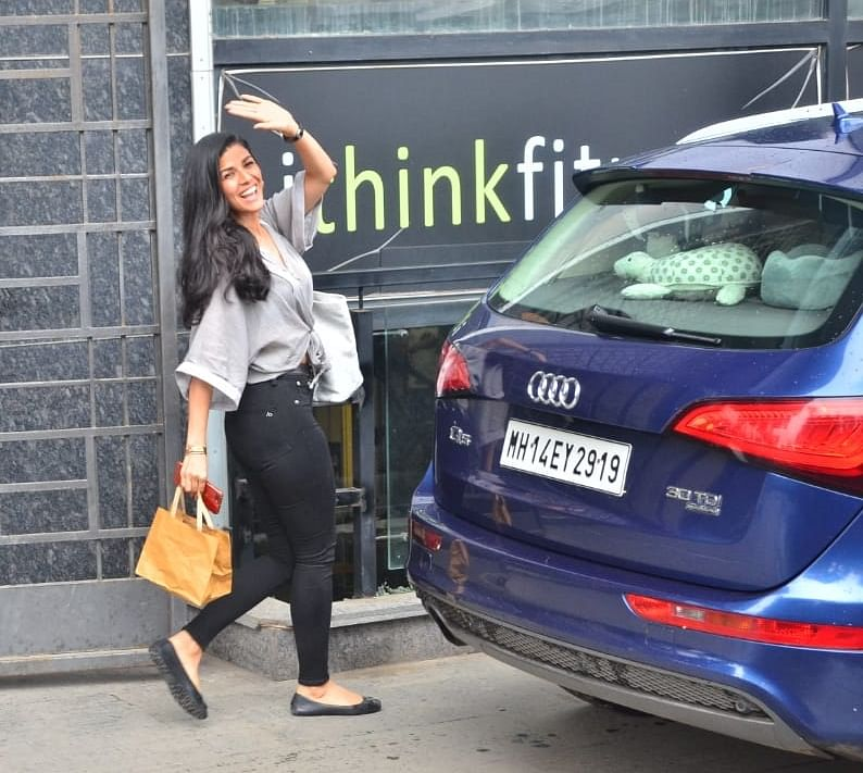 Actress Nimrat Kaur was also spotted at the gym prior to Shahid's exit from the fitness club. Nimrat was seen in a grey top and black jeans as she headed back home.