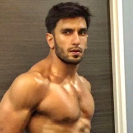 Ranveer Singh flaunts his chiselled physique in this shirtless photo