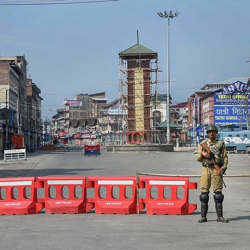 Normal life remains affected for 22nd consecutive day in Kashmir