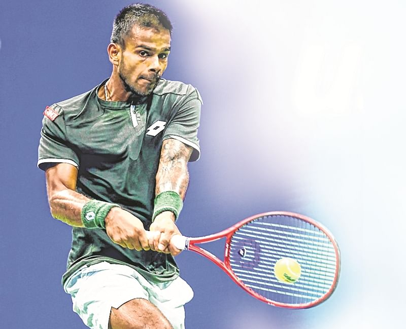 Chetan Bhagat double faults