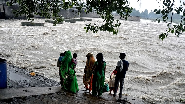 Mathura on edge as Yamuna flows close to danger mark
