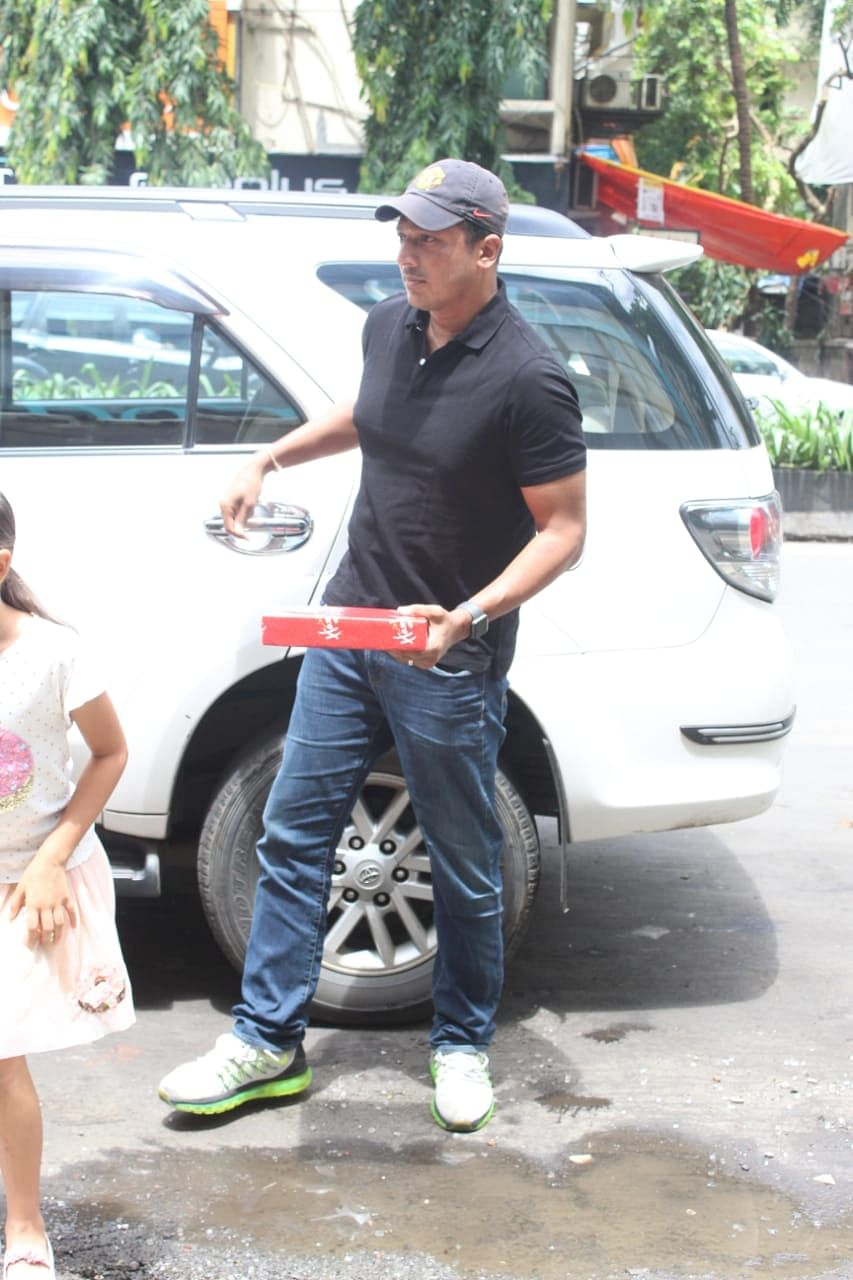 Tennis player Mahesh Bupathi was seen entering the Foodhall with daughter.