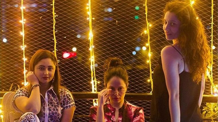 Watch Ankita Lokhande take a night by storm with her 'Gal Pals'