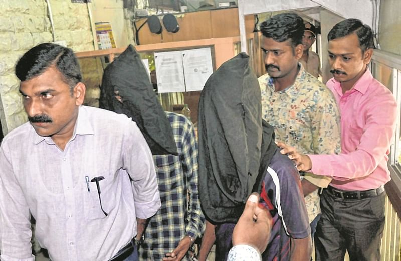 Mumbai: Two 'elitist' burglars held
