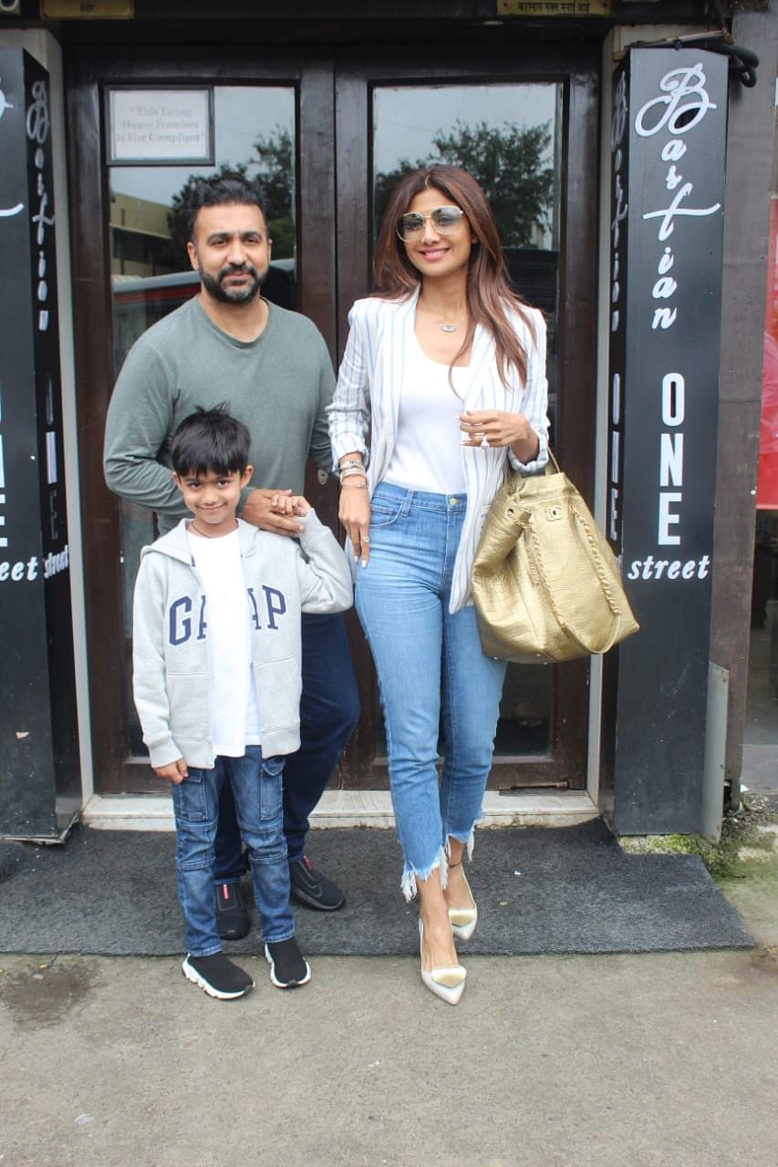 Shilpa Shetty snapped with Husband Raj Kundra at Bastian in Bandra.
