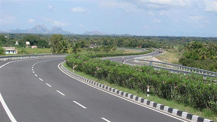 Maharashtra floods: Mumbai-Bengaluru national highway opens for traffic