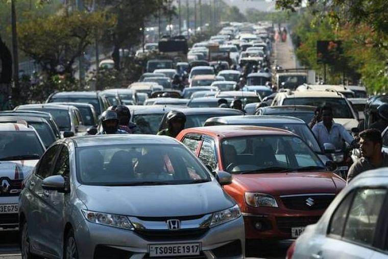 Sales of passenger vehicles in July declined 11 per cent: FADA