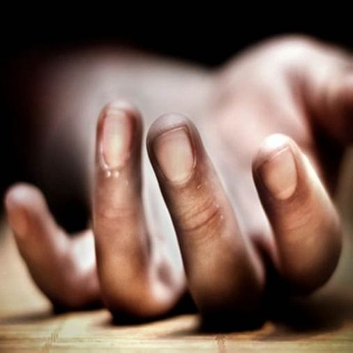 Mumbai Crime: Man kills wife by slashing her throat, locks two daughters in house and commits suicide