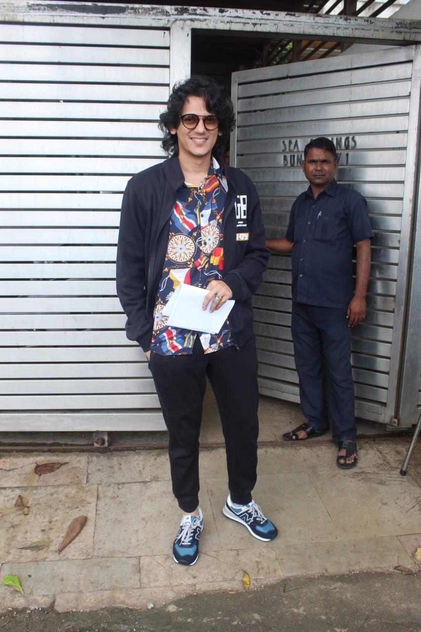 'Gully Boy' actor Vijay Sharma spotted outside Zoya Akhtar's residence.
