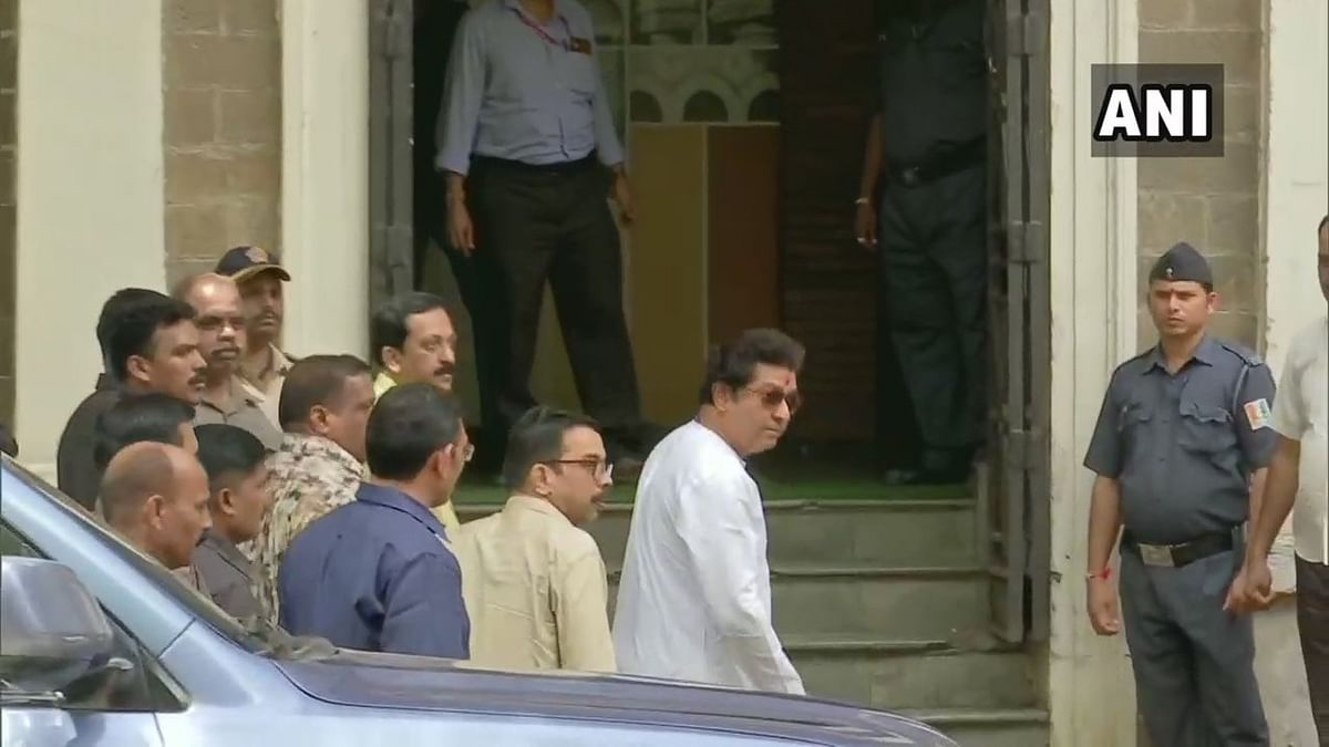 Raj Thackeray comes to ED amid tight cover