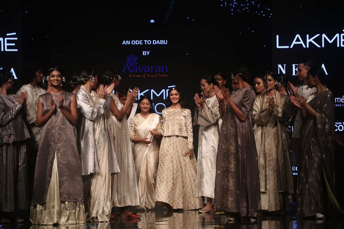 Mrunal Thakur on Thursday turned showstopper for the label Aavaran by designer Alka Sharma.