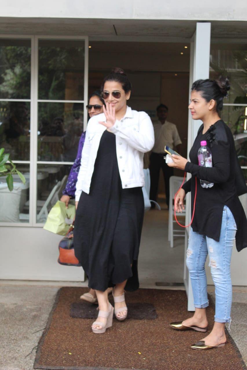 Vidya balan spotted at Sequel in Bandra