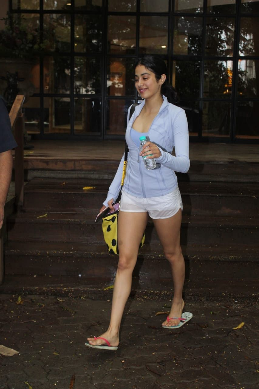 Dhadak actress Janhvi Kapoor was clicked by paps outside the gym in the morning.