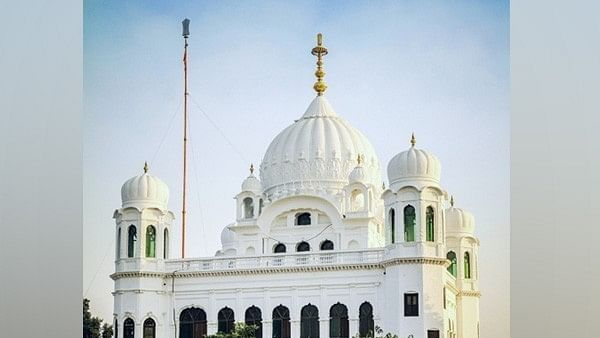 Sikh woman tries to flee with her Pak friend via Kartarpur