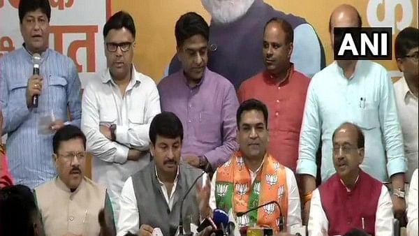 Disqualified AAP MLA Kapil Mishra joins BJP