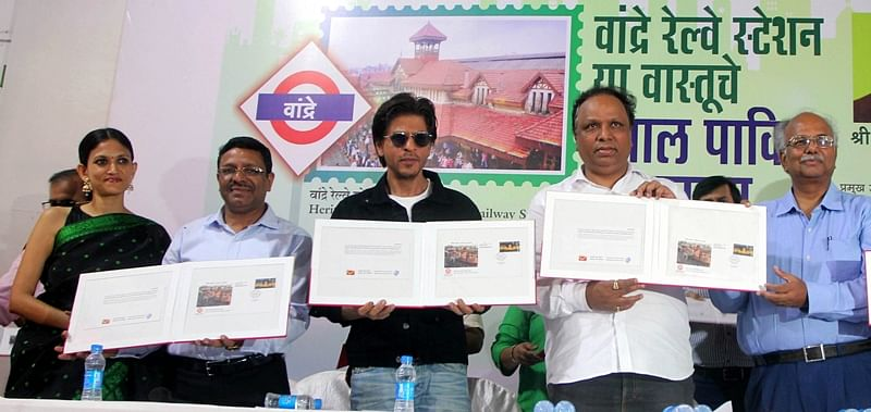 Special postal cover unveiled to celebrate legacy of Bandra station