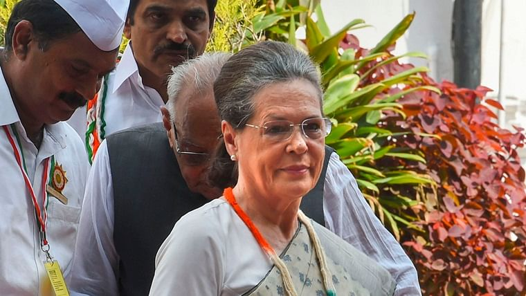 Sonia attacks BJP, says Rajiv Gandhi never used his power to put democracy in danger