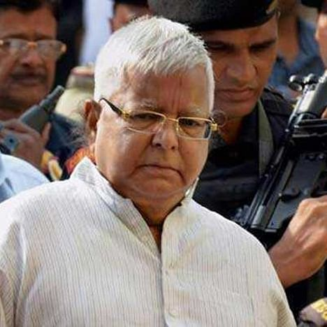 RJD chief Lalu Prasad Yadav shifted to Delhi AIIMS for treatment