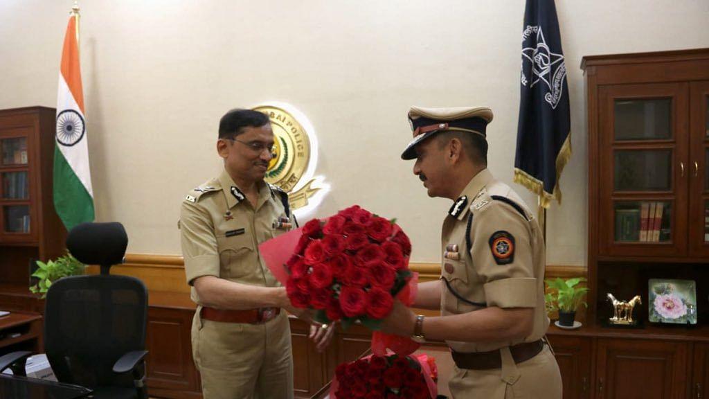 Mumbai Police Commissioner Sanjay Barve (L)