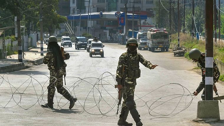 High schools in Kashmir to reopen from today in areas without restrictions