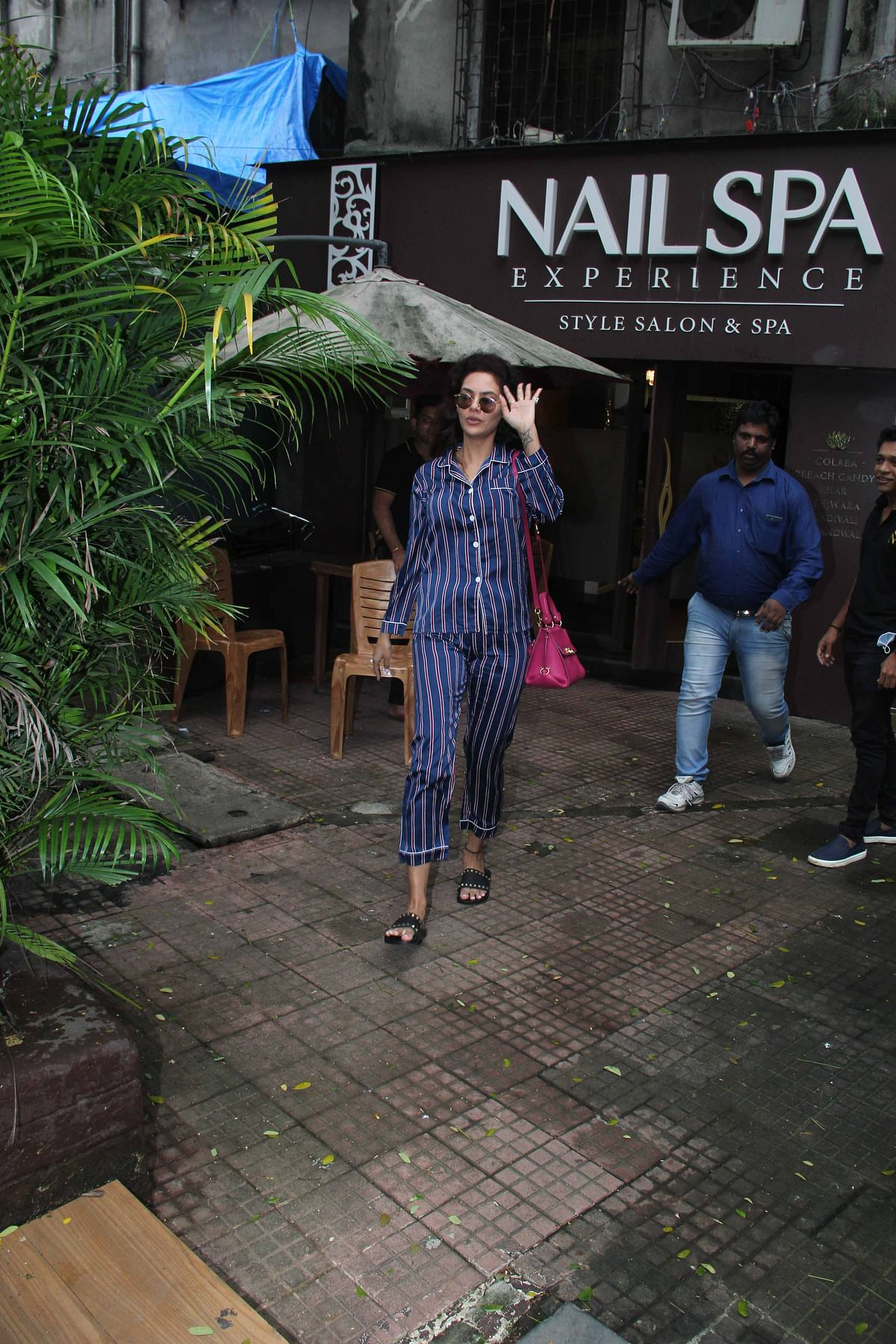 Esha Gupta pampered herself and shutterbugs spotted her outside the Nail Spa in Khar.