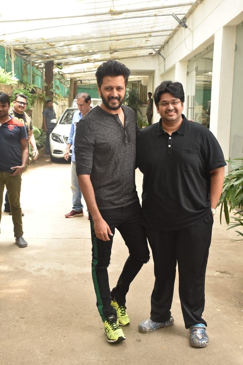 Ritesh Deshmukh gearing for his upcoming film 'Marjaavaan' was snapped with director Milap Zaveri post dubbing in Juhu
