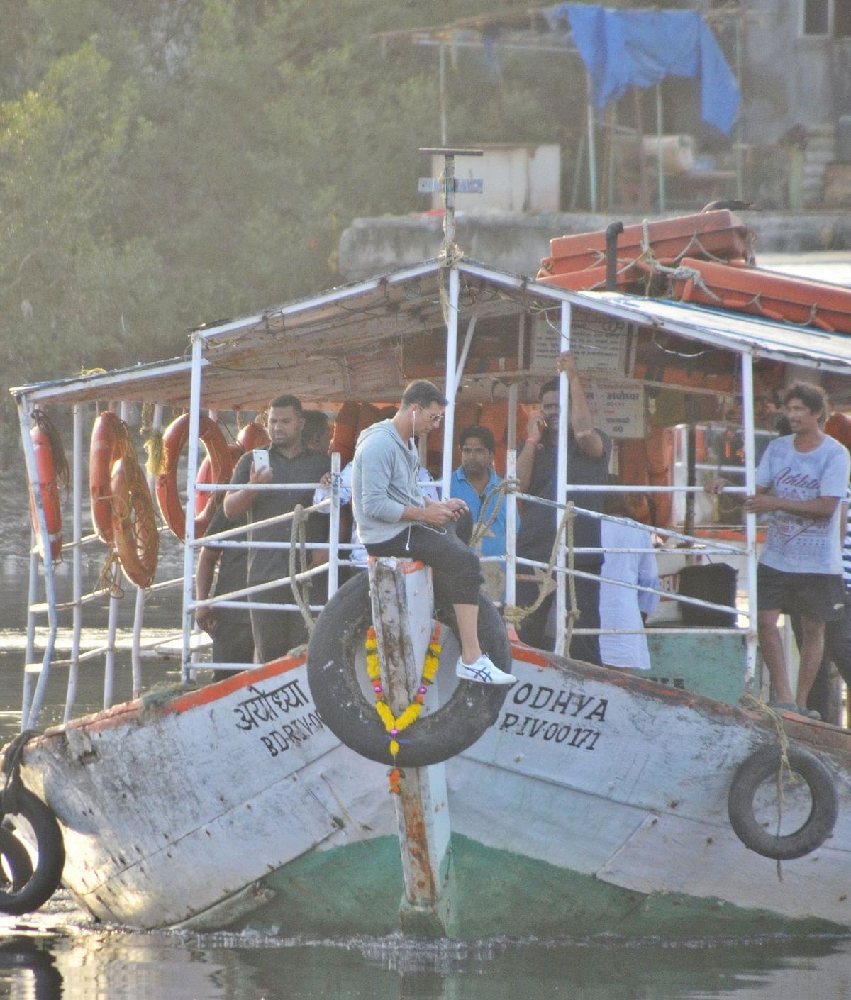 Akshay Kumar was snapped at Madh jetty in Mumbai.