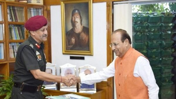 Major General Bipin Bakshi meets Assam Governor Jagdish Mukhi