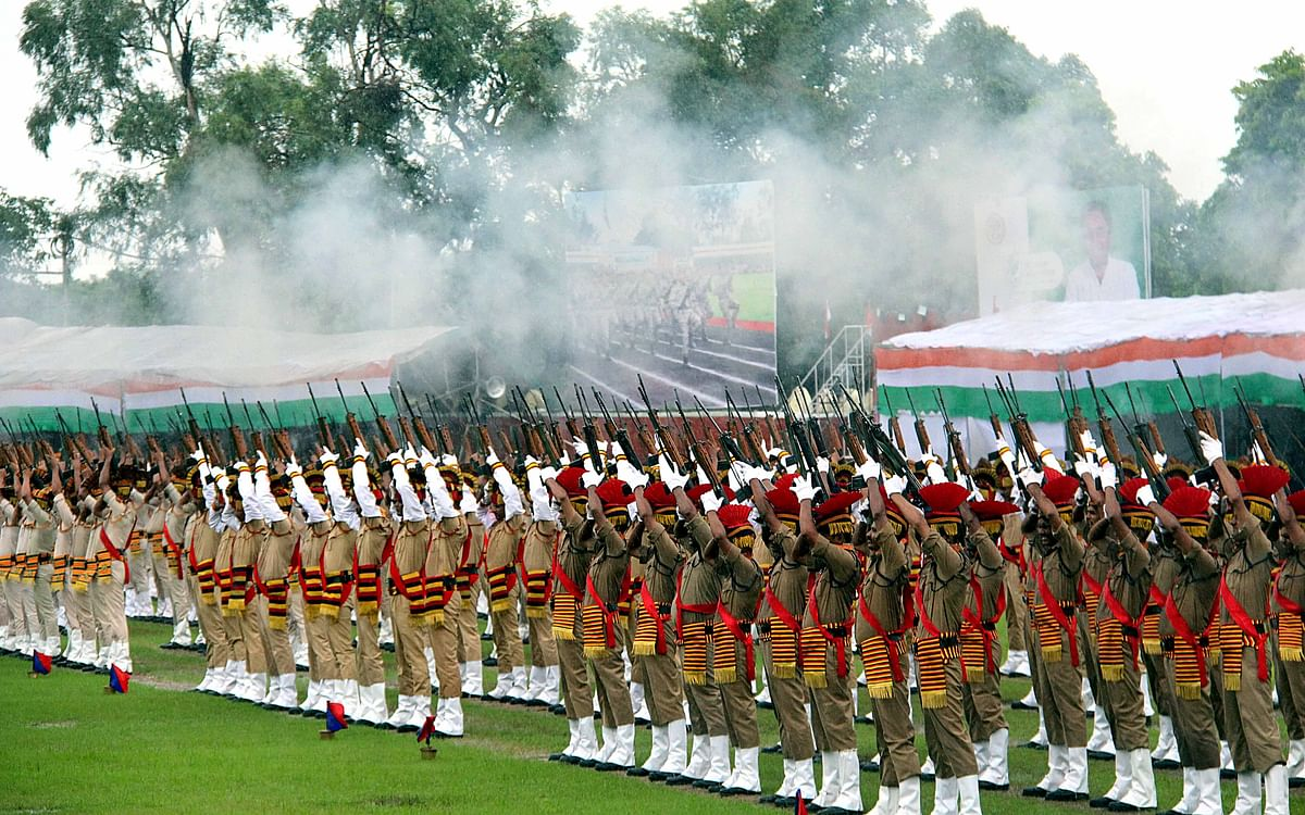 Madhya Pradesh police contingents during 73rd Independence Day celebrations at Motilal Nehru Police Stadium in Bhopal